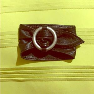 Real leather cuff.